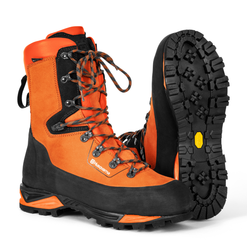 Protective leather boots with saw protection, Technical 24